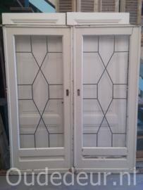 nr. e165 set oude ensuite deuren met opgeplakt glas in lood