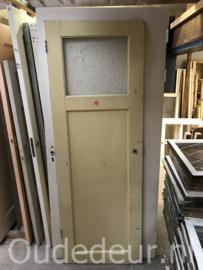 nr. 1146 oude eenvaks deur met ruit