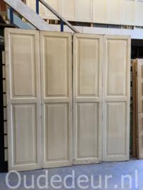 nr. set604 twee sets kastdeuren (ze waren schuivend)