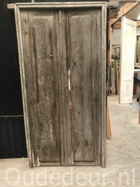nr. set150 stel erg  oude deuren in kozijn