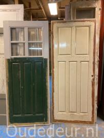 nr. 1468 antieke deur met 4 ruiten (links)