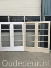 nr. set539 meerdere sets deuren met vier ruiten
