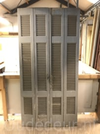 nr. L576 set van vier grijze louvre deuren