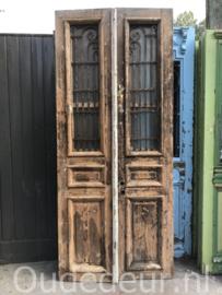 nr. set884 stel oude deuren bijna kaal