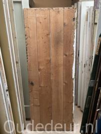 nr. 4483 opgeklampte deur