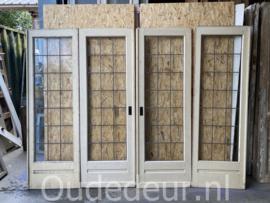nr. e396 vierslag ensuite deuren met glas in lood