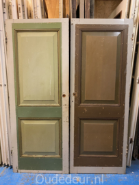 nr. 1O twee oude kastdeurtjes