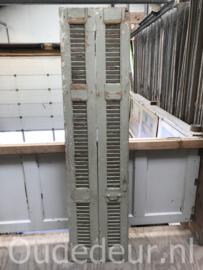 nr. L467 stel oude smalle louvre deuren