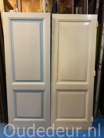 nr. 1f twee gelijke oude kastdeuren