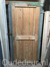 nr. 4211 opgeklampte oude deur