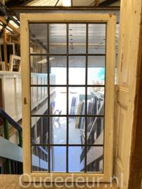 nr. gl568 raam met blank glas in lood