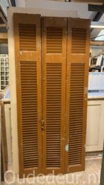 nr. L524 set van drie bruine louvre