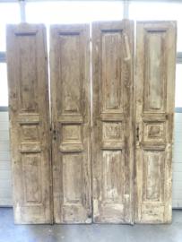 nr. twee gelijke sets antieke deuren