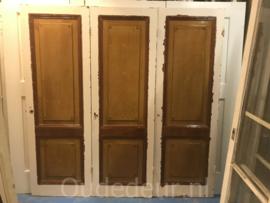 nr. 1X drie antieke kastdeuren