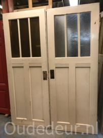 nr. 1087 oude deuren met twee ruiten