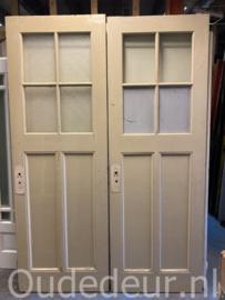 nr. 1075 antieke deuren met staande panelen