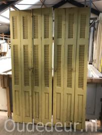 nr. L525 set van 7 gele smalle louvre deuren