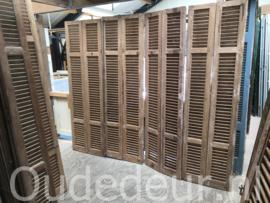 nr. L44 serie van 12 geloogde louvre deuren