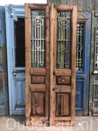 nr. set885 stel oude deuren half geloogd