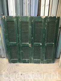 nr. L273 set van vier groene louvre luiken