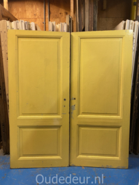 nr. 1f setje oude kastdeuren