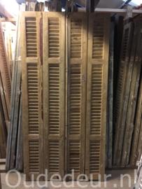 nr. L39 serie van 44 stuks geloogde oude louvre luiken