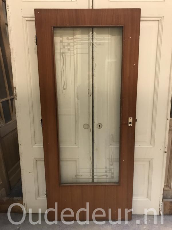 nr. gl338 deur met speciale ruit