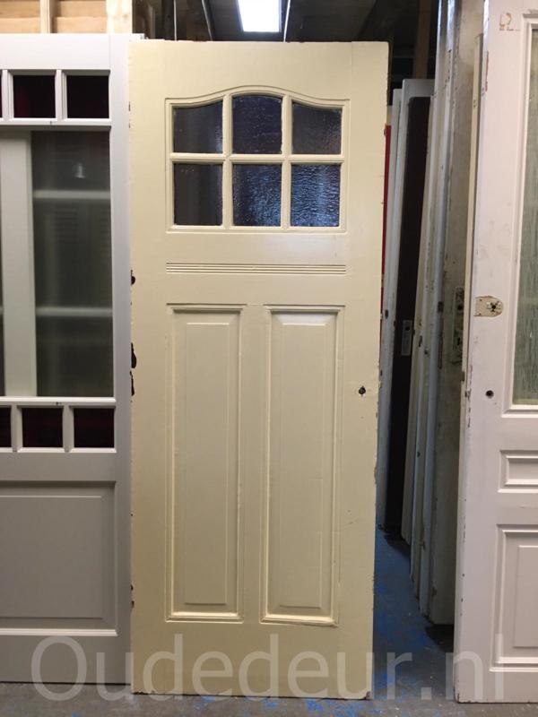 nr. 1053 twee  antieke deuren