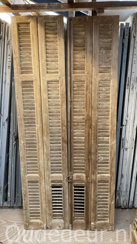 nr. L64 set van vier oude louvre deuren
