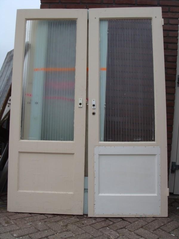 nr. 221 deur met ruit (veel stuks) (verschillende soorten glas)