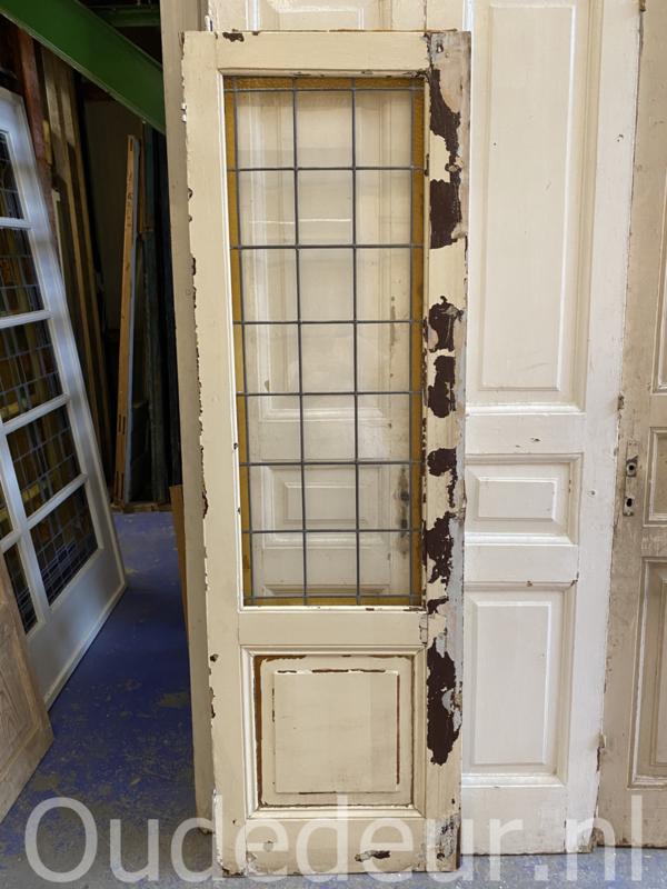 nr. GL524 oude glas in lood deur
