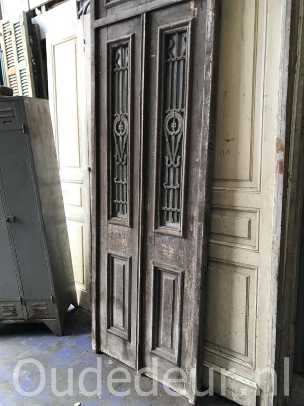 nr. set518 set oude voordeuren in kozijn