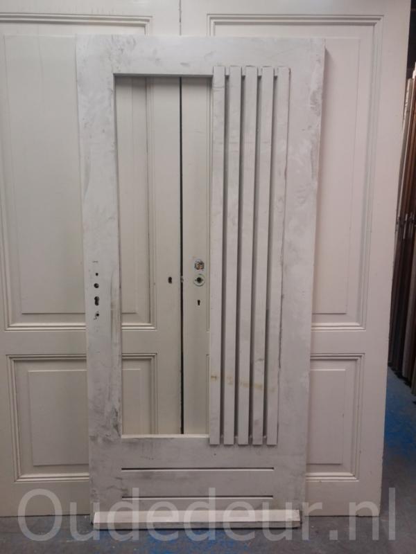 nr. v132 modernere voordeur nu zonder glas