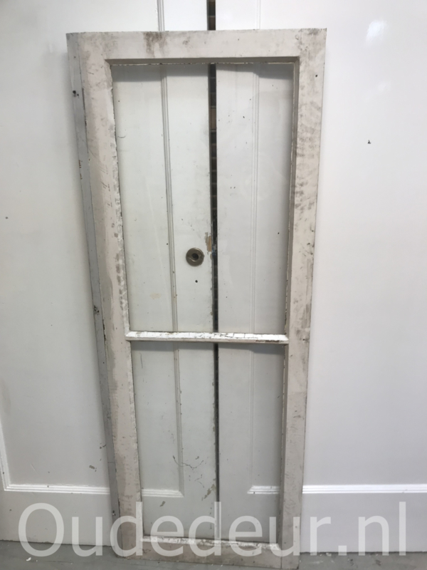 nr. r215 oud raam met twee ruiten