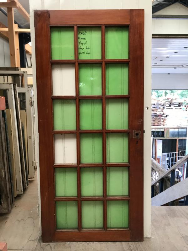 nr. r138 groot raam met 18 ruiten