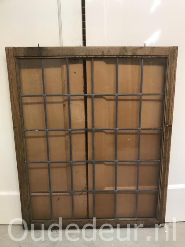 nr. GL377 raam met gekleurd glas in lood