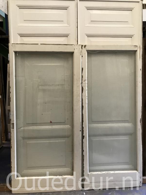 nr. e93 stel brede schuifdeuren met veel glas
