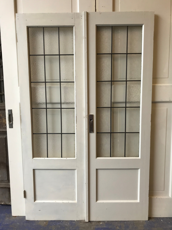 nr. e162 serie gelijke setjes jaren 30 deuren met glas in lood