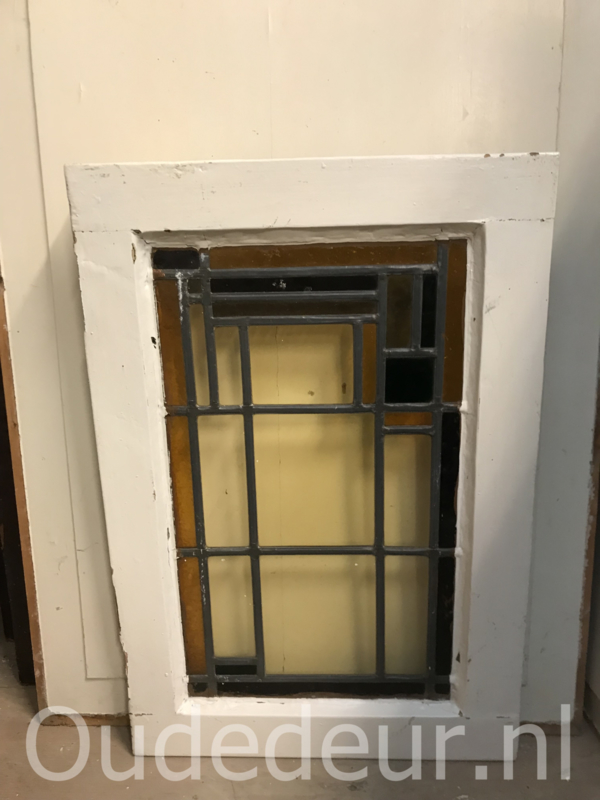nr. GL401 oud glas in lood raam