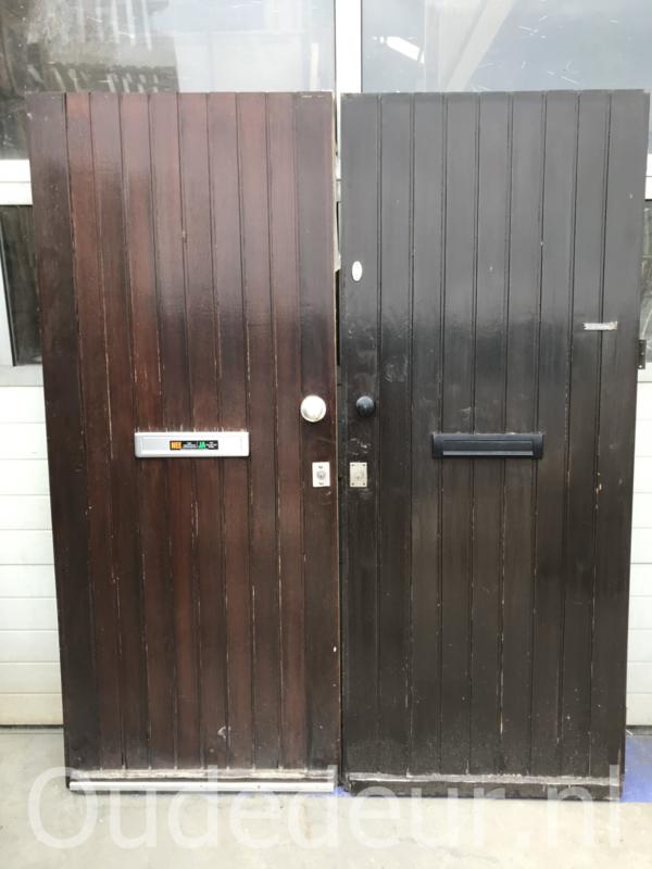 nr. V147 serie gelijke dichte voordeuren