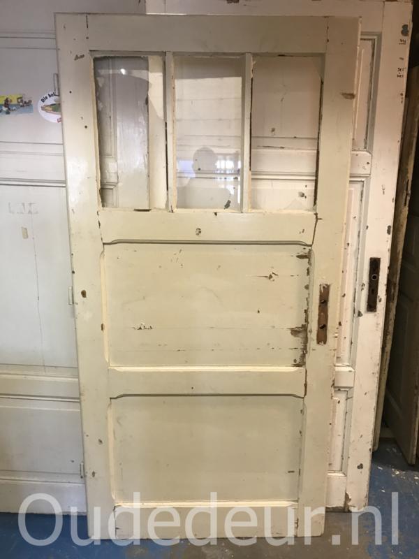 nr. 1356 brede oude deur met ruitjes