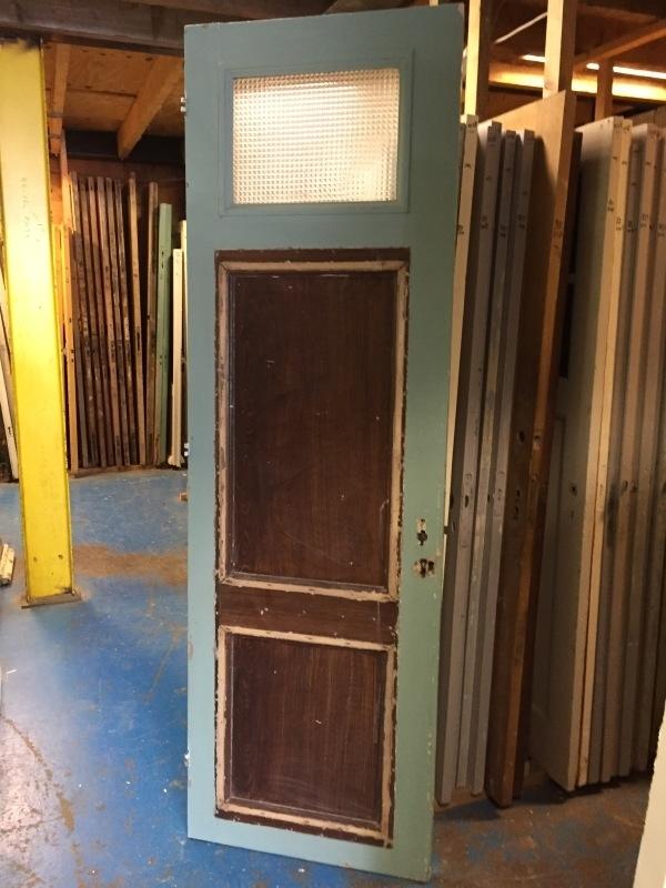 nr. 1058 drievaks deur met glas