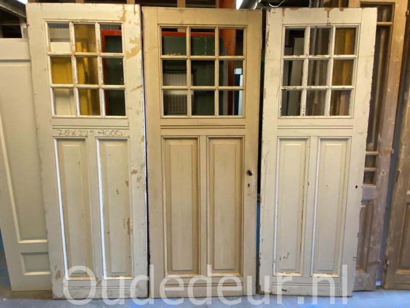 nr. 1477 drie gelijke antieke deuren