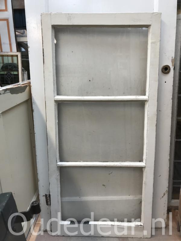 nr. r206 oude raam met drie rutien