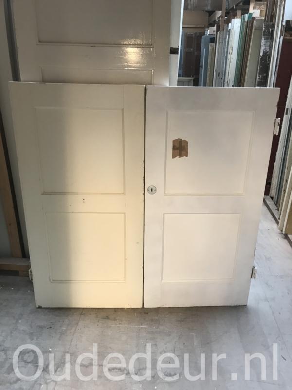 nr. 4275 meerdere deurtjes twee panelen