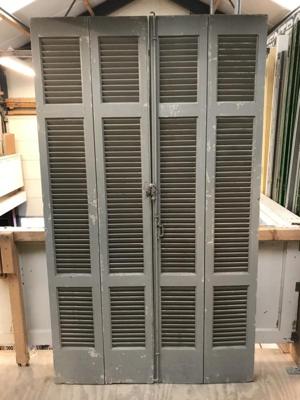 nr. L335 set oude louvre deuren
