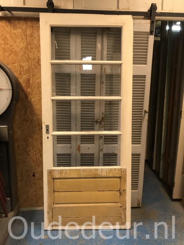 nr. a136 oude grenen buitendeur