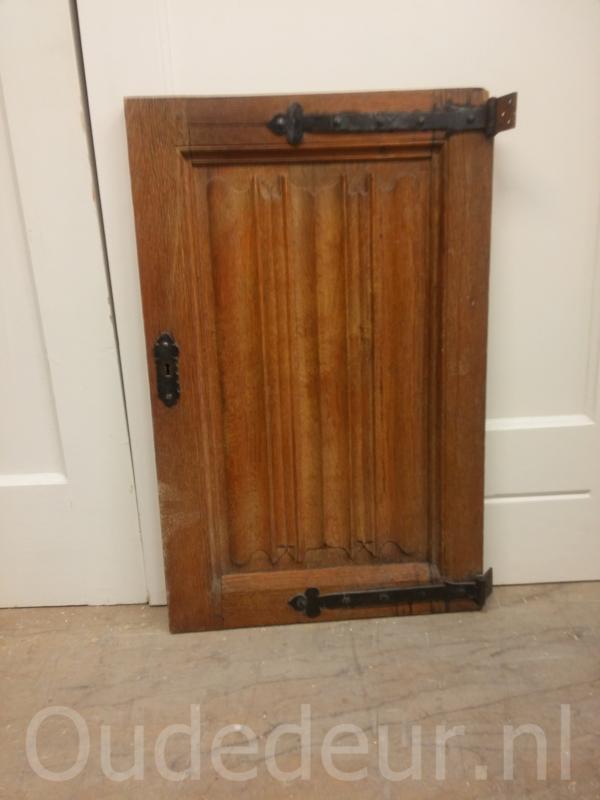 nr. 4047 oude eiken deurtje