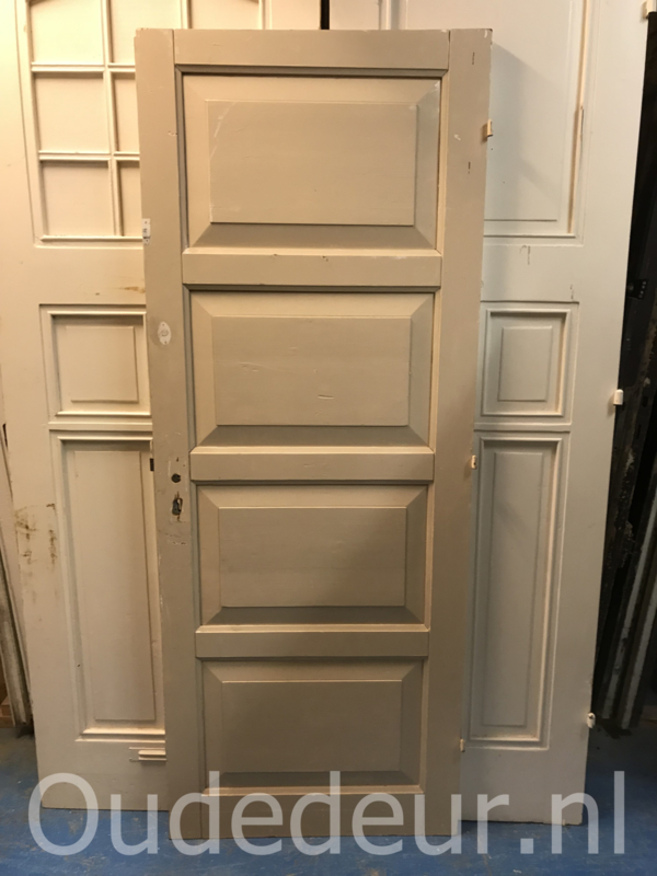 nr. 1282 massieve viervaks deur