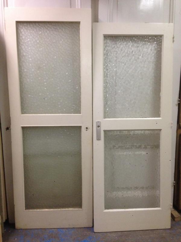 nr. 2057 oude deur met twee ruiten